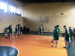 III Miejsce dla II LO w Mistrzostwach Rejonu w koszykówce chłopców_5