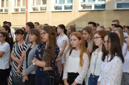 Inauguracja roku szkolnego 2018/2019 w II Liceum Ogólnokształcącym im. Piotra Firleja w Lubartowie_10