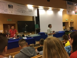 Uczniowie II LO na pokazach z fizyki_7