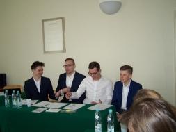 Uczniowie z II LO zwycięzcami IX Debaty Politologicznej _2