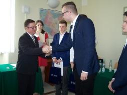 Uczniowie z II LO zwycięzcami IX Debaty Politologicznej _4