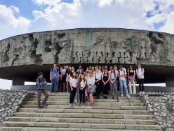 Uczniowie II LO z wizytą w Państwowym Muzeum na Majdanku_7